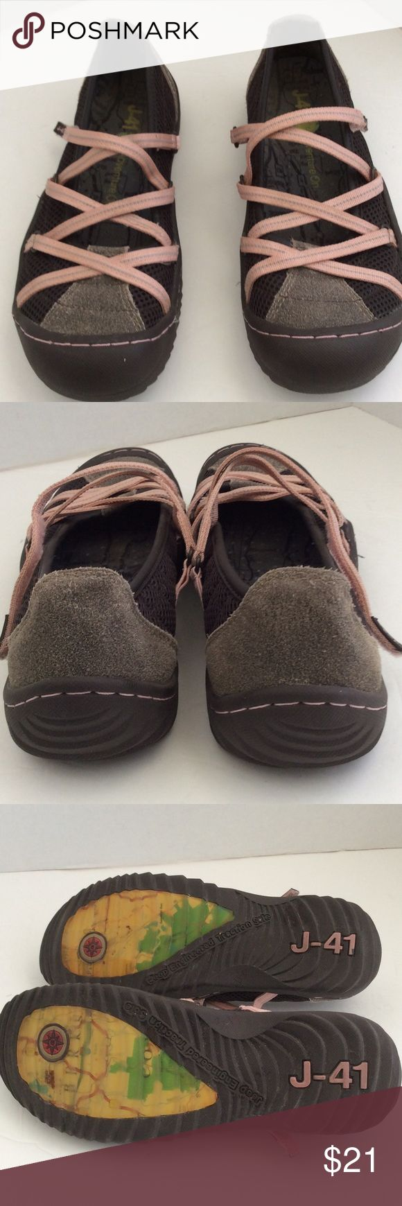 "Women's J-41 outdoor adventure shoe size 7 J-41 outdoor shoe with ""Jeep engineered traction"" are super comfy and stylish, gently used in great condition, with lots of miles left J-41 Shoes Flats & Loafers"