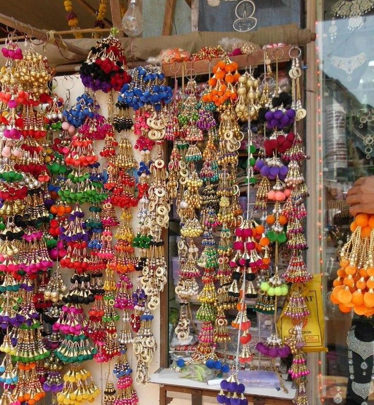 Accessories at Mumbai market