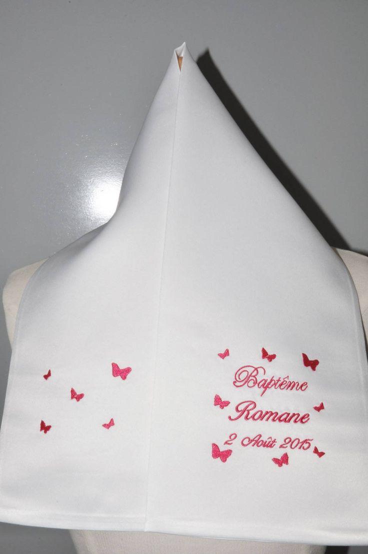 écharpe de baptême enfant papillons personnalisée brodée pour garçon ou fille