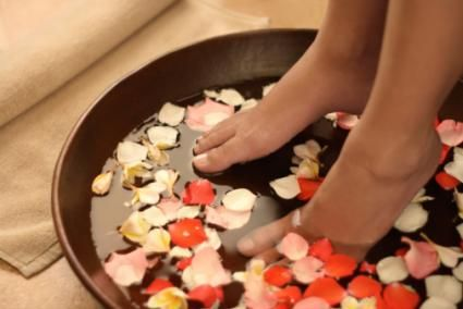 Detox Foot Bath, I can't stop reading this article! #Pedicure #BeautyTips  http://skincare.lovetoknow.com/skin-care-treatments/detox-foot-bath