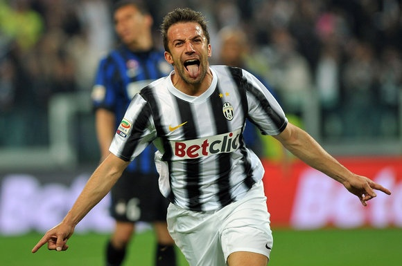 Juventus' Alessandro Del Piero celebrates after he scored during a Serie A soccer match between Juventus and Inter Milan at the Juventus Stadium in Turin, Italy, Sunday, March 25, 2012. (AP Photo/Massimo Pinca)