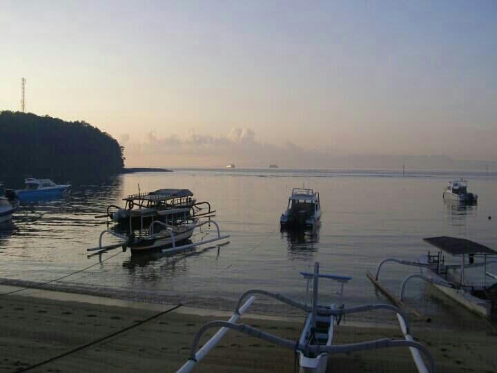 Padambai...more first trip to Bali...you started something now Indounik!!