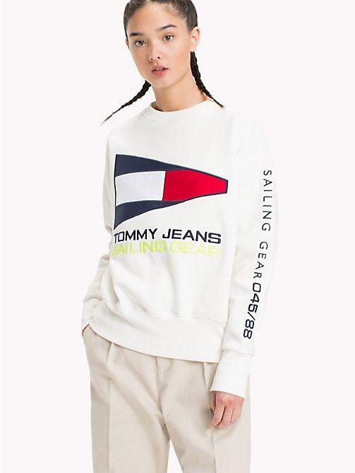 d2c7dc44 TOMMY JEANS 90s Sailing Logo Sweatshirt - BRIGHT WHITE - TOMMY JEANS TOMMY  JEANS Capsule -