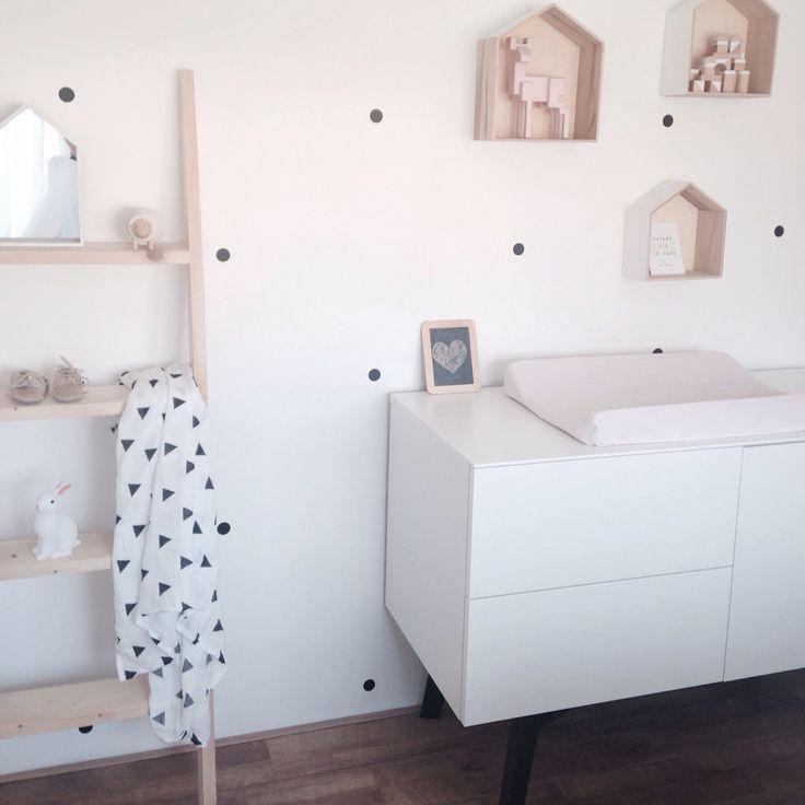 Babyroom girls room bedroom monochrome baby lila room