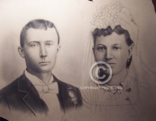 The photo below is of Jesse James and Zee Mimms Wedding picture.