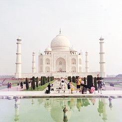 En Inde, un escroc a « vendu » à plusieurs reprises le Taj Mahal. Il a été condamné à 113 ans de prison mais a réussi à s'échapper 9 fois. La dernière fois il avait 84 ans... Malin ! #funfacts