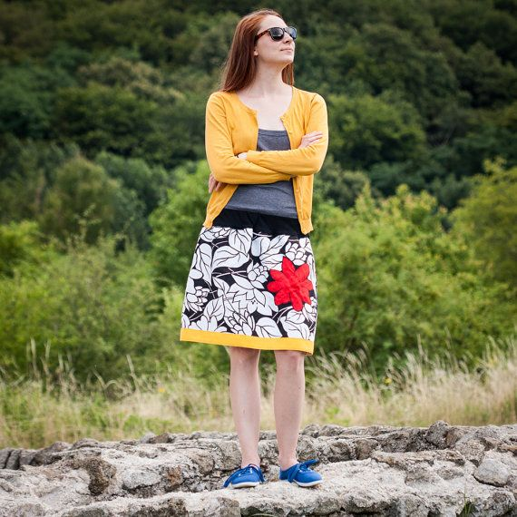 Circle Skirt With Red Flower for Spring / Summer by RUKAMIshop