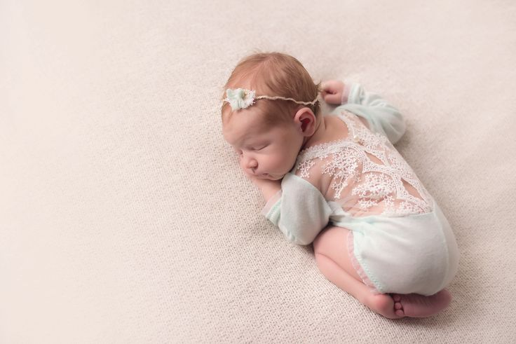 Baby photography omaha ne newborn girl photography session newborn posing
