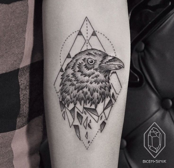 50 best images about geometric on pinterest triangle for Raven bird tattoo