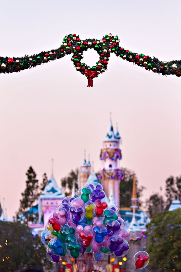 Disneyland // Sleeping Beauty Castle // Christmas in DIsneyland