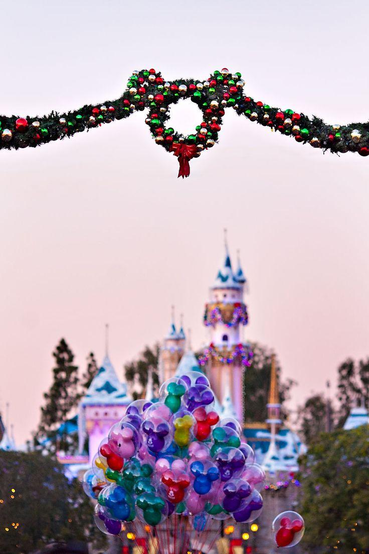 Disneyland // Sleeping Beauty Castle // Christmas in DIsneyland