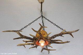 Gewei hanglamp 26172 bij Van der Lans Antiek. Meer antieke lampen op www.lansantiek.com