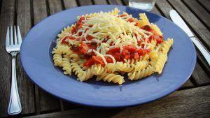 Recept voor vegetarische fusilli met champignon en paprika