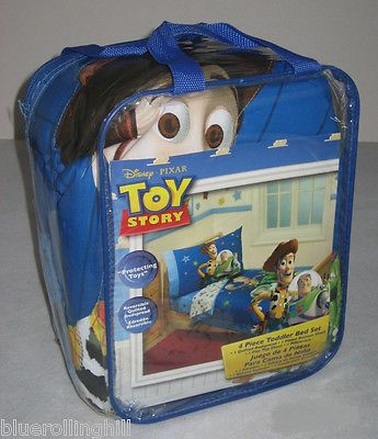 Toy Story 4-piece Toddler Bed Set: 'Protecting Toys'