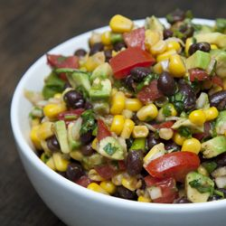 Simple Southwestern black bean salad, healthy and a great dish for summer.: Chips, Fun Recipes, Beans Salad Recipes, Planets, Black Beans Salad, Healthy Side, Snacks, Southwestern Black, Delicious Salsa