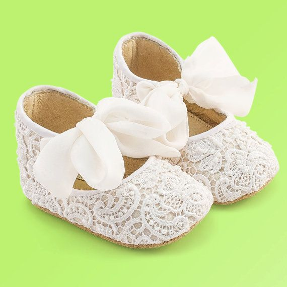 Baby Gift, Baby Shoes, White Baby Shoes, New Baby Gift, Girl Baby, Baby Girl Shoes, Christening shoes with silk and lace by Vibys