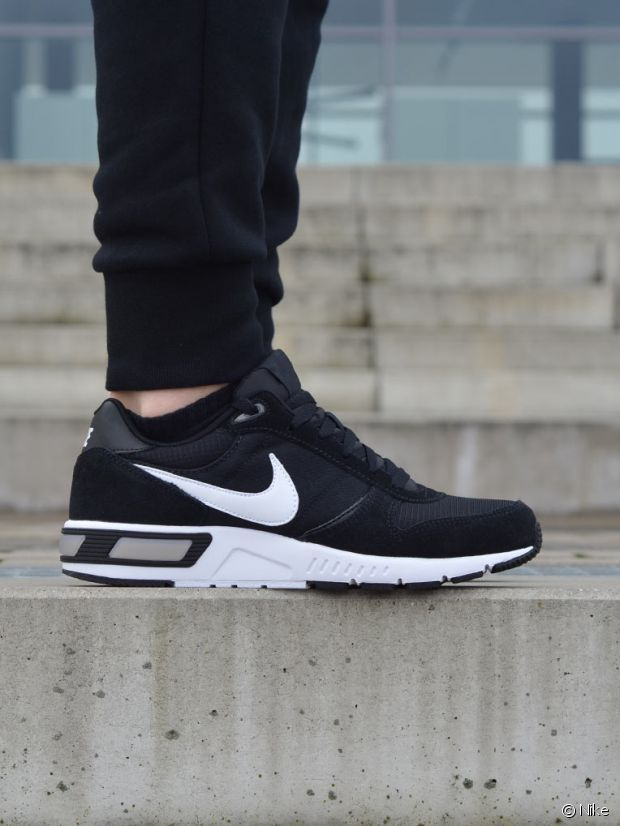 pretty nice 7a9f9 f31cb Et les Nike Nightgazer, on en parle     Shoes (men) in 2019   Sneakers,  Sneakers nike, Nike