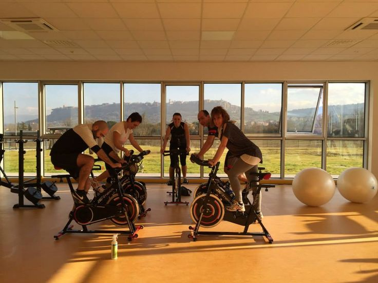 Una lezione di #spinning presso il vetrya corporate campus con una delle più belle viste di #Orvieto.