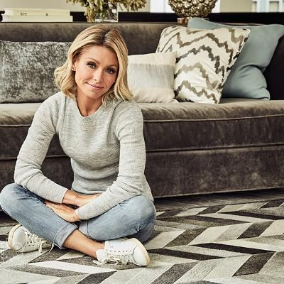 Hot: Kelly Ripa Explains Why the Search for a Live! Co-Host Needed to Begin Right Away