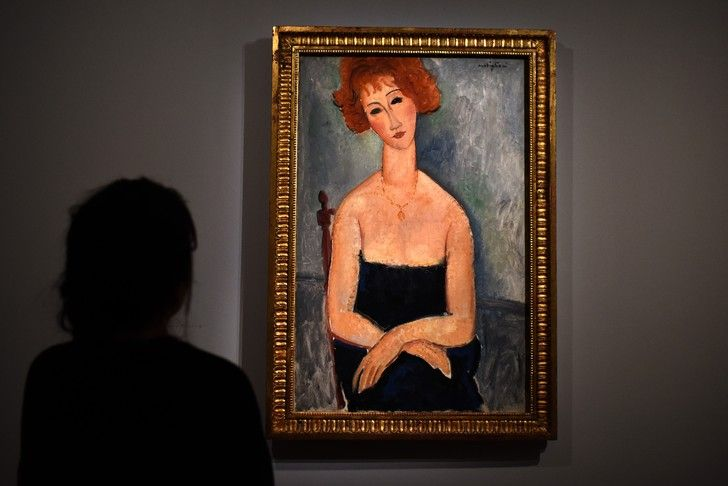 Tableau d'Amedeo Modigliani, 'La Rousse au pendentif', présenté lors de l'exposition issue de la collection d'Alicia Koplowitz, le 28 février 2017 à Paris / AFP