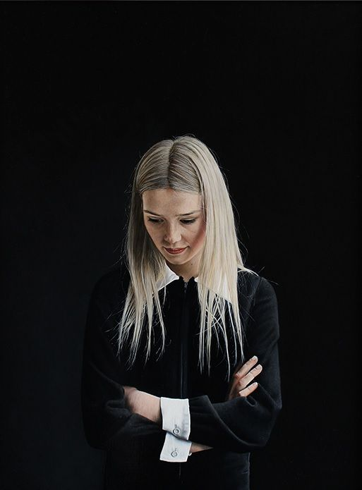 Painting by Charles Moxon, Sarah in a Black Dress. Oil on Canvas, 2014 Image: www.charlesmoxon.com