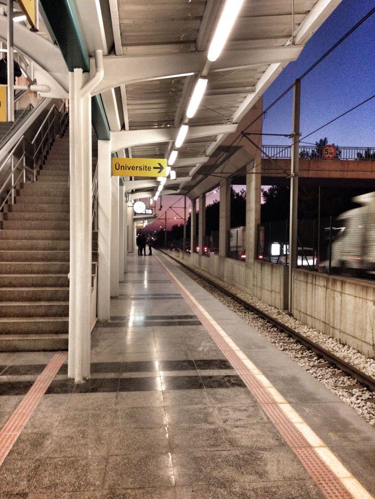 Ataevler metro istasyonu