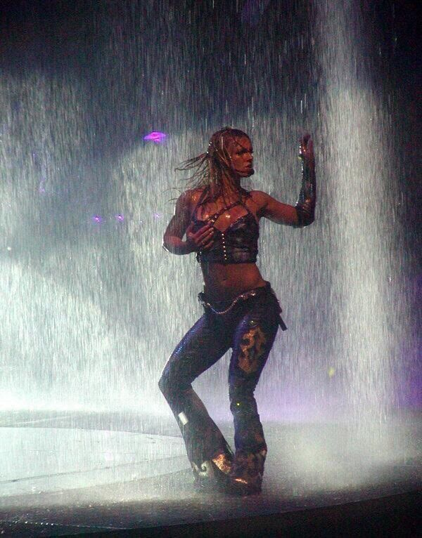 Britney Spears - Dream Within a Dream tour