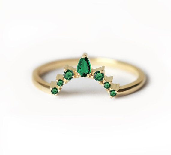 Emerald Wedding ring, Emerald Wedding Band, Curved Wedding Band With Emeralds, Curved Emerald ring, Prong Set Emerald Ring