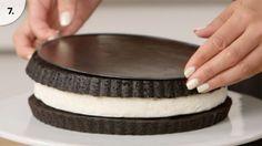 Ha te is az Oreo keksz rajongója vagy, akkor ezt az Oreo tortareceptet is imádni fogod. És még csak különösebb nehézséget sem okoz az elkészítése.