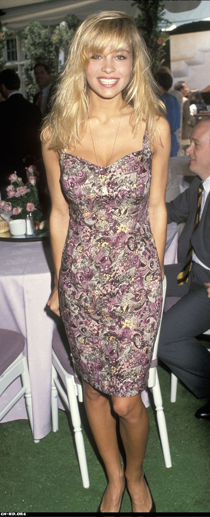 Pamela Anderson before plastic surgery! She was actually pretty at one time