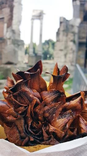 STREET FOOD TOUR IN ROME - If this is your first time in Rome, for sure you will come back a second time! You will remain amazed by the beauty and charm of its alleys and monuments!