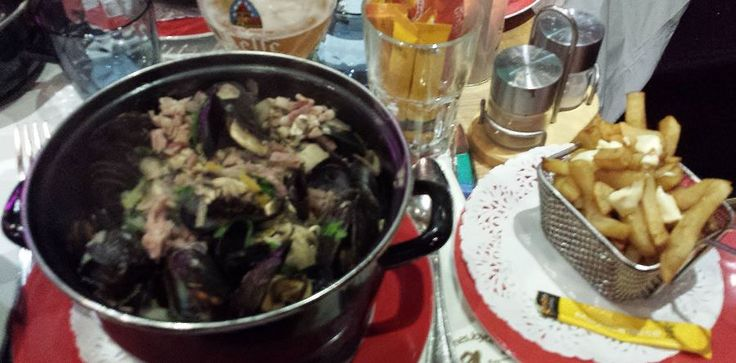 Mussels and Frites at Brasserie L'Edito