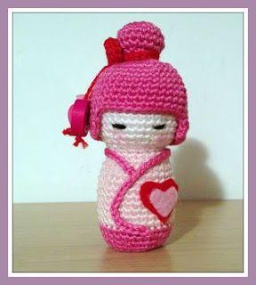 MADRES HIPERACTIVAS: Pink Kokeshi Amigurumi, Free English Pattern