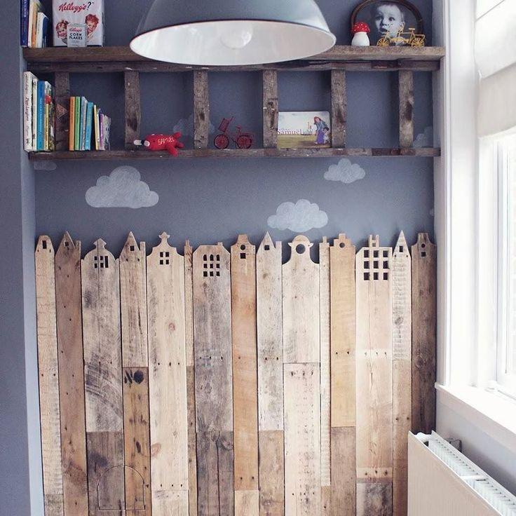 Cette formule peut donner un succès immédiat dans la chambre d'un enfant, comme une tête de lit ou tout simplement comme un revêtement décoratif. L'idée est de réutiliser les planches p…