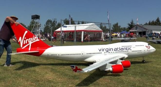 Someone Spent A Lot Of Time Building This Huge Functioning Boeing 747 Model