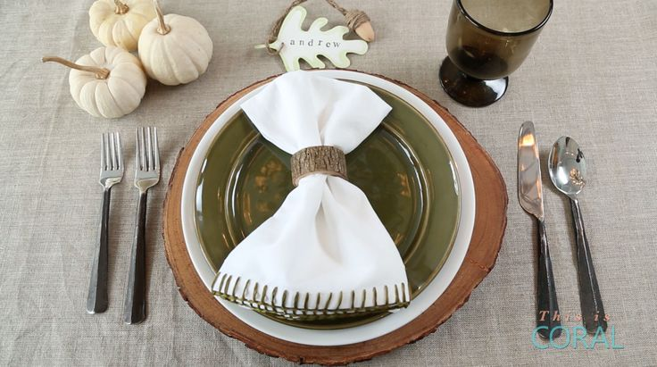 Different DIY projects to add a personal touch to your Thanksgiving place settings!