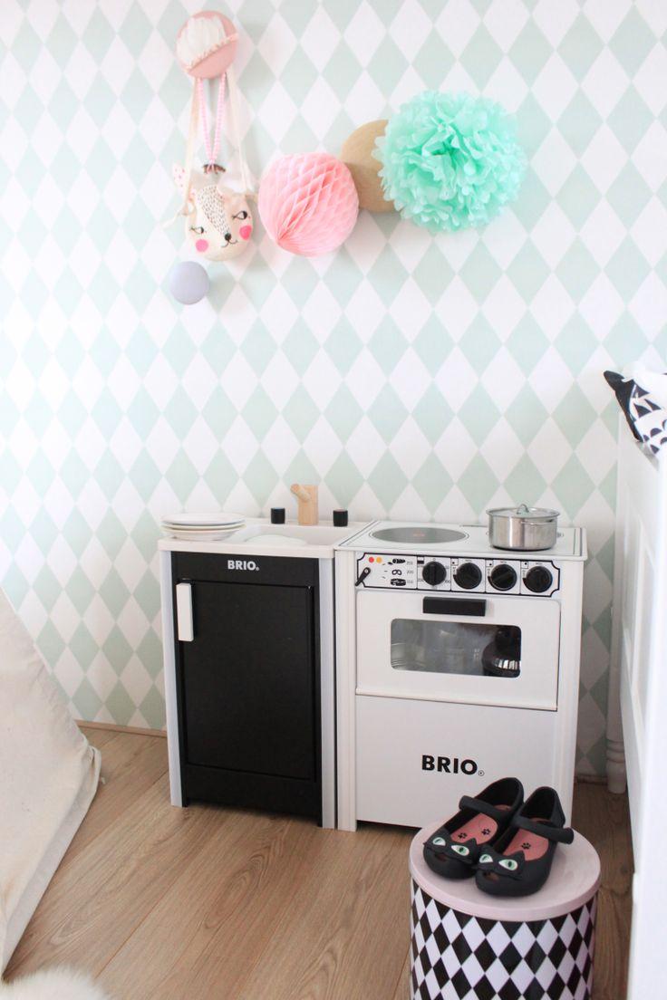 Brio kitchen kids. #kidsstylingmag #eeflillemorstyling