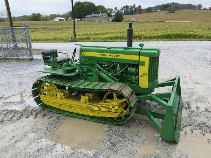 "JOHN DEERE 420 C CRAWLER TRACTOR 72"" BLADE, 14"" TRACKS, SHOWING 3377 HRS"