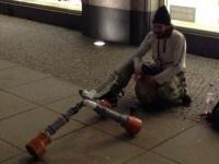 Didgeridoo : Rien n'arrête le talent! A voir...