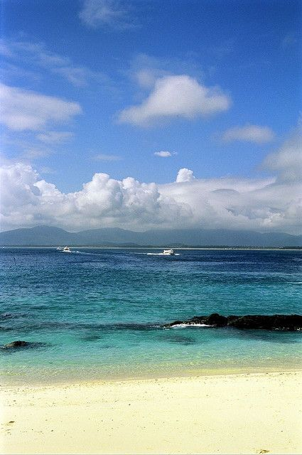 Wuzhizhou Island beach in Sanya, Hainan Province_ China
