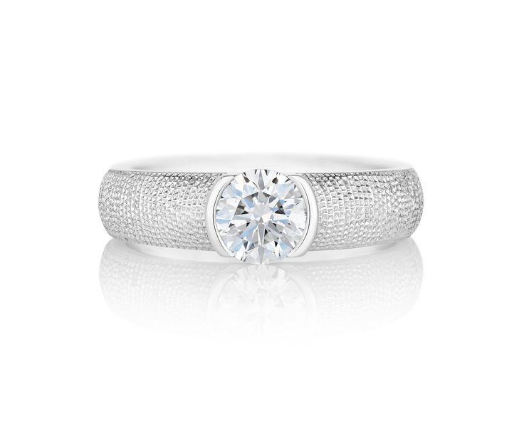 Brio ソリテアは力強さとシンプルさを同時に表現。 *エンゲージリング 婚約指輪・デビアス*