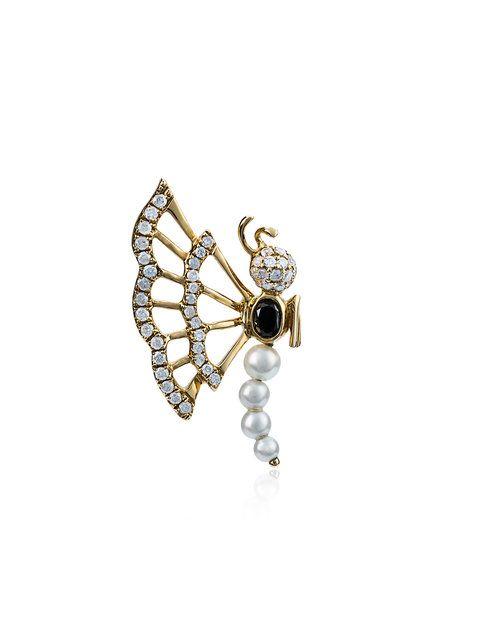 YVONNE LÉON Gold butterfly diamond stud earring with pearl. #yvonneléon #