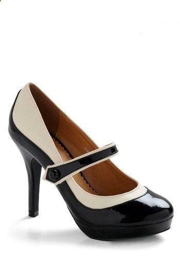These 30s-inspired two-tone Mary Jane heels are just too perfect!! This is what shoe lust looks like!!