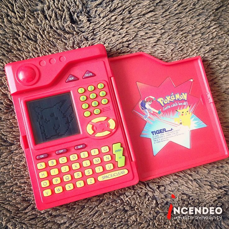 Pokemon Pokedex, Tiger Electronics (1998). #pokemon #pokedex #nintendo #gamefreak #tigerelectronics #toy #game #vintage #collection #collectibles #retro #museum #incendeo #infiniteserendipity #任天堂 #游戏 #玩具 #宝精灵 #收藏 #老虎电器