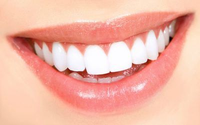 Az ajkaink formája egész életünkben általában megmarad, bár állapota változhat a korral és a testi állapottal. Az ember egészségi állapotáról sokat elárulhat megváltozhat a színe és vastagsága is. De vajon a felső illetve az alsó ajakformák, milyen megnyilvánulásunkról árulkodnak?