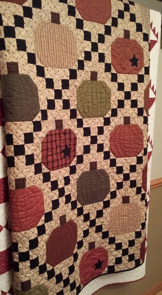 17 Best images about Fall Quilts and Crafts on Pinterest Halloween table runners, Quilt and ...