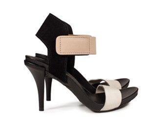 Pedro García style: Yola / high heel sandal in black suede I resort 2016