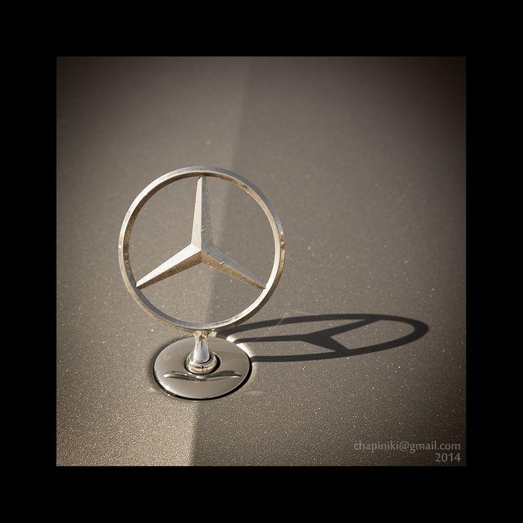 Líneas, sombras y reflejos: Mercedes Gold  #mercedes #mercedesbenz #coche #car #f1
