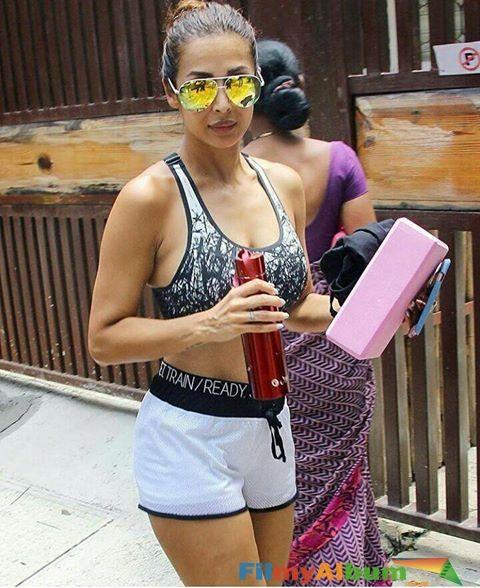 Malaika Arora Ass, Boobs gym photos