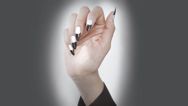 Stiletto Nails #Black #Silver